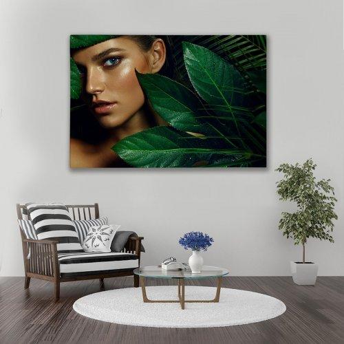 Obraz na płótnie CANVAS 120x80 A149 Kobieta w liściach