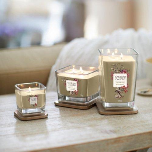 Świeca zapachowa Yankee Candle VELVET WOODS duży wazon